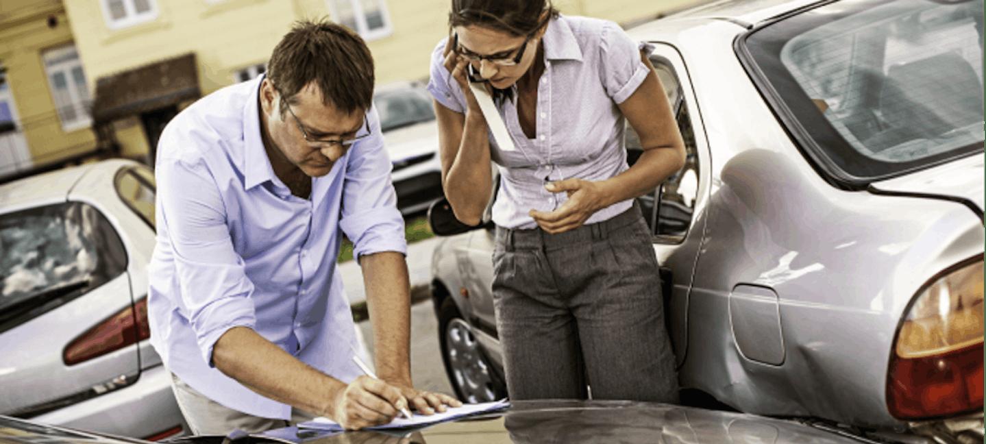 Should I Hire a Car Wreck Lawyer?