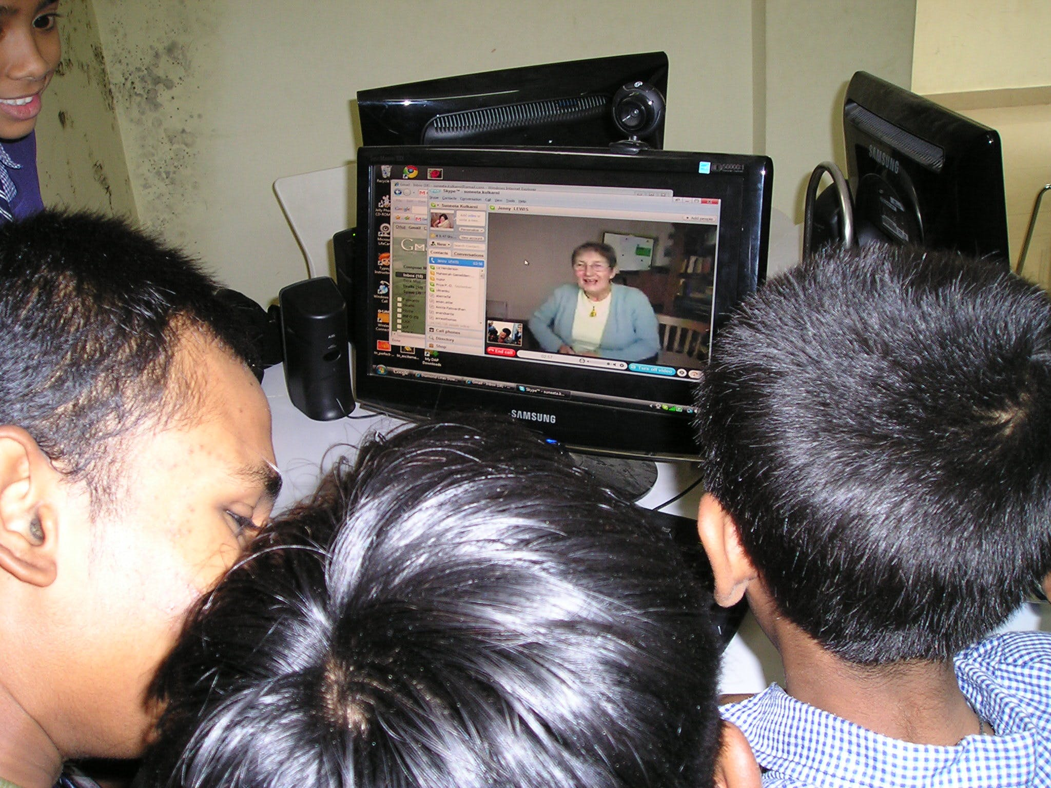 Remote Learning with granny and children