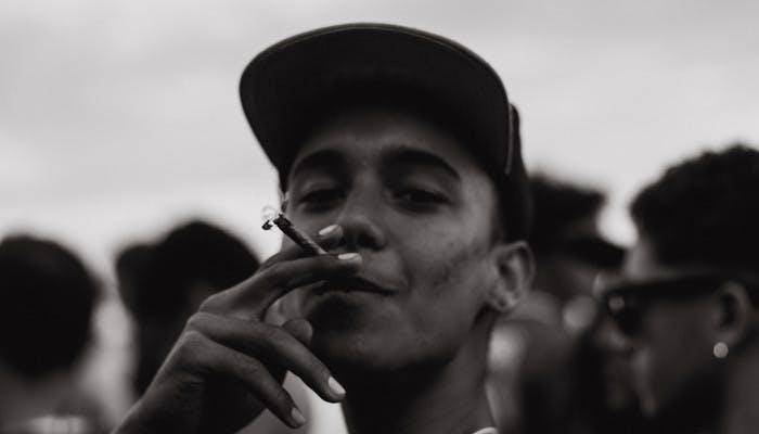 101 Stoner tips and tricks for beginner marijuana smokers