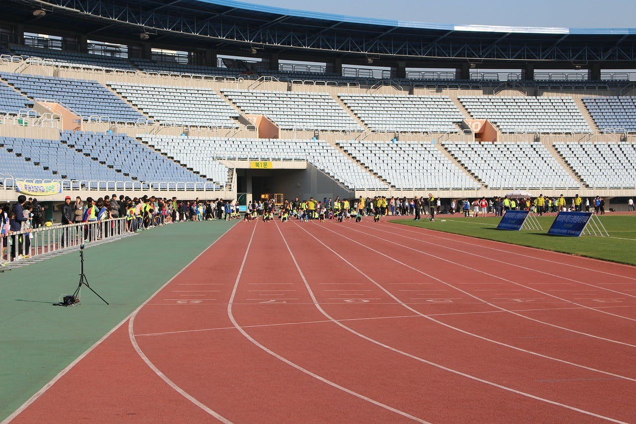 Running track in a sports stadium