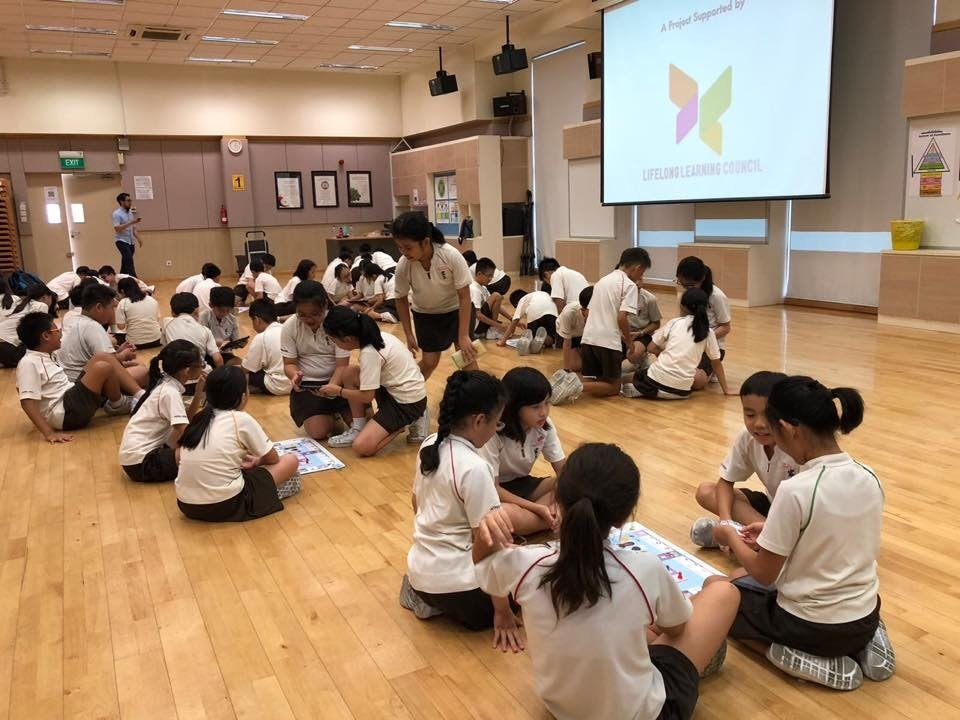 Students at Hong Wen School doing group projects