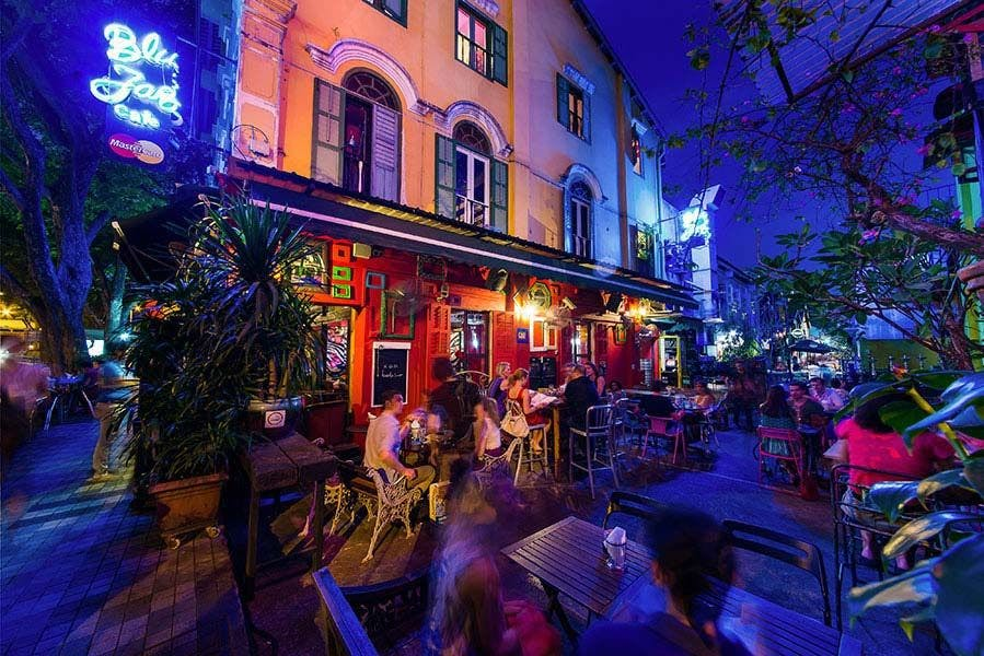 Bars and pubs along Arab Street