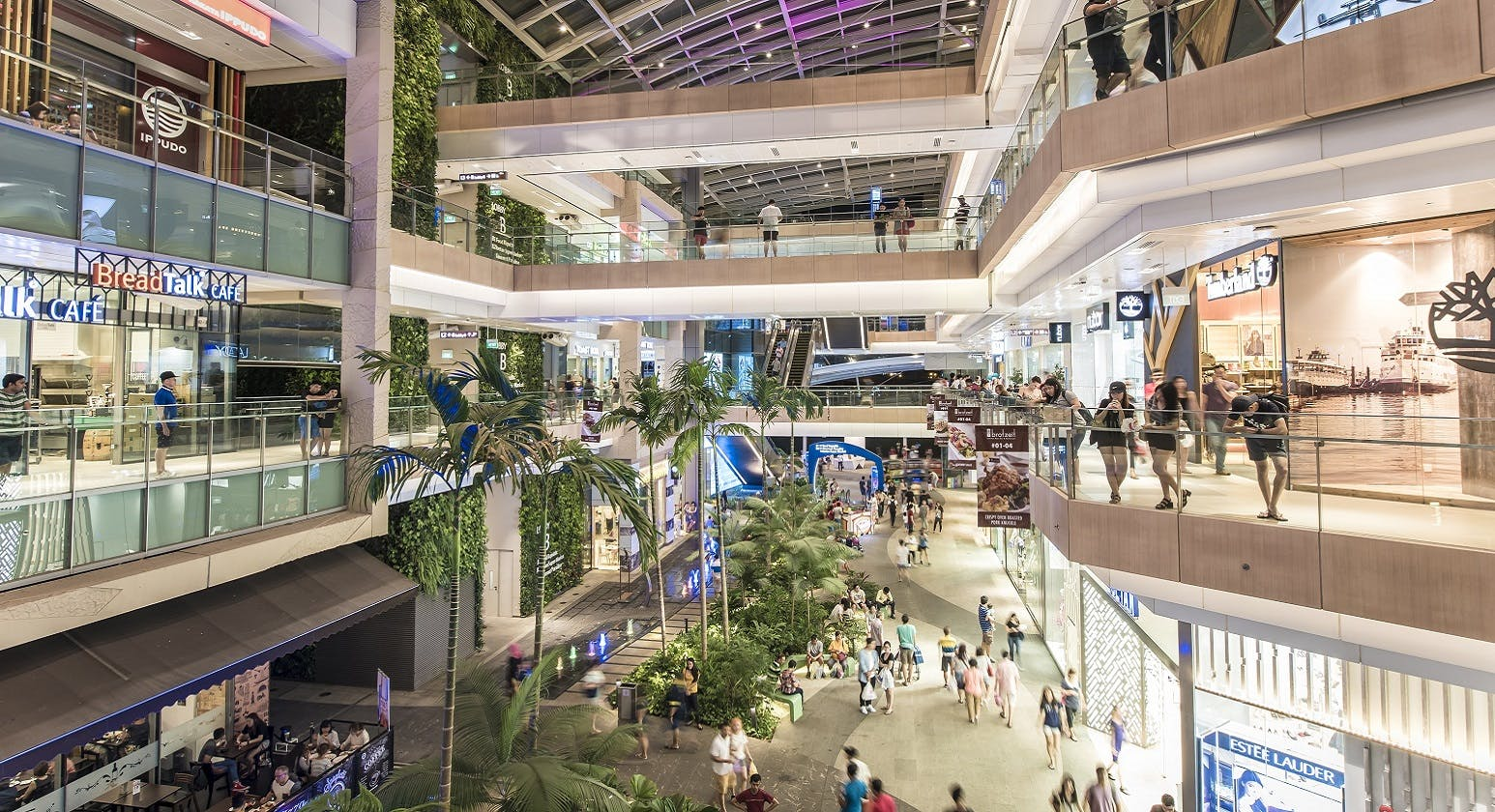 Residents of Le Quest can easily head to Westgate or its surrounding malls to have a shopping spree.