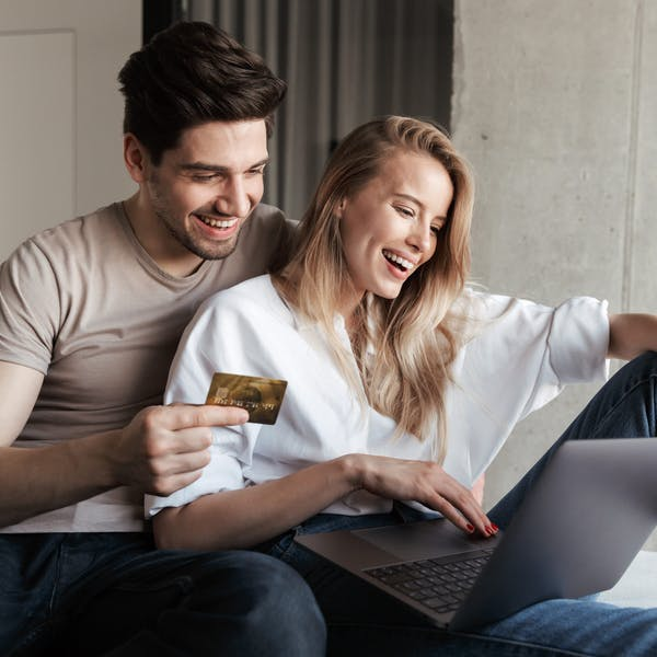 couple pay by card on internet
