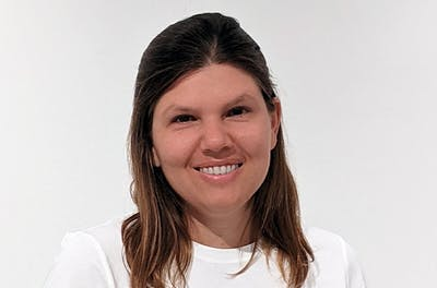 Elizabeth Gil-Roldán, Solutions + Projects