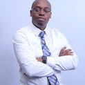 Dr. Davis Musinguzi, Diretor Administrativo, The Medical Concierge Group