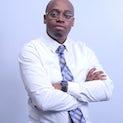 Dr. Davis Musinguzi, Diretor Administrativo, The Medical Concierge Group