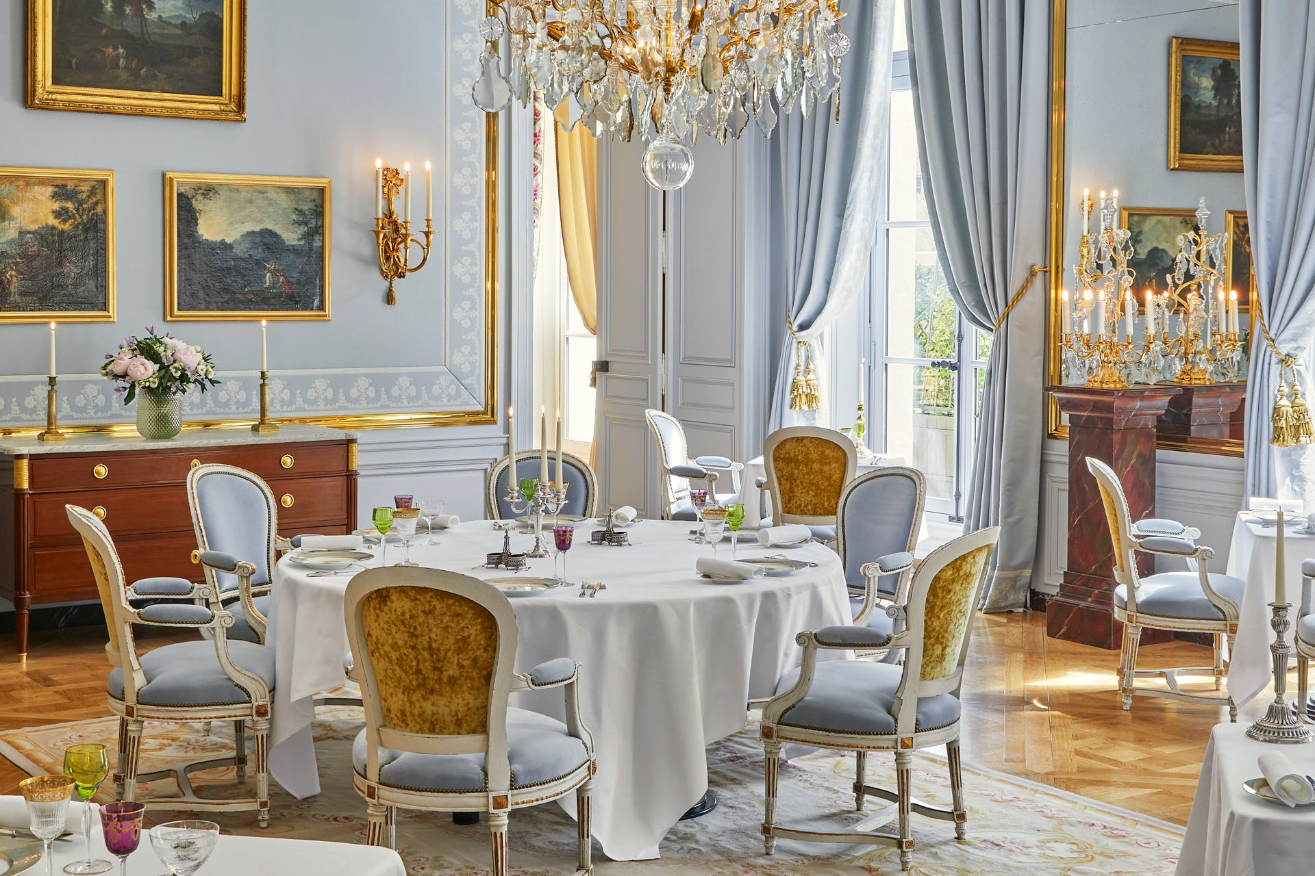 Luxury hotel Airelles Palace of Versailles (France), Le Grand Controle  (France) - Official site