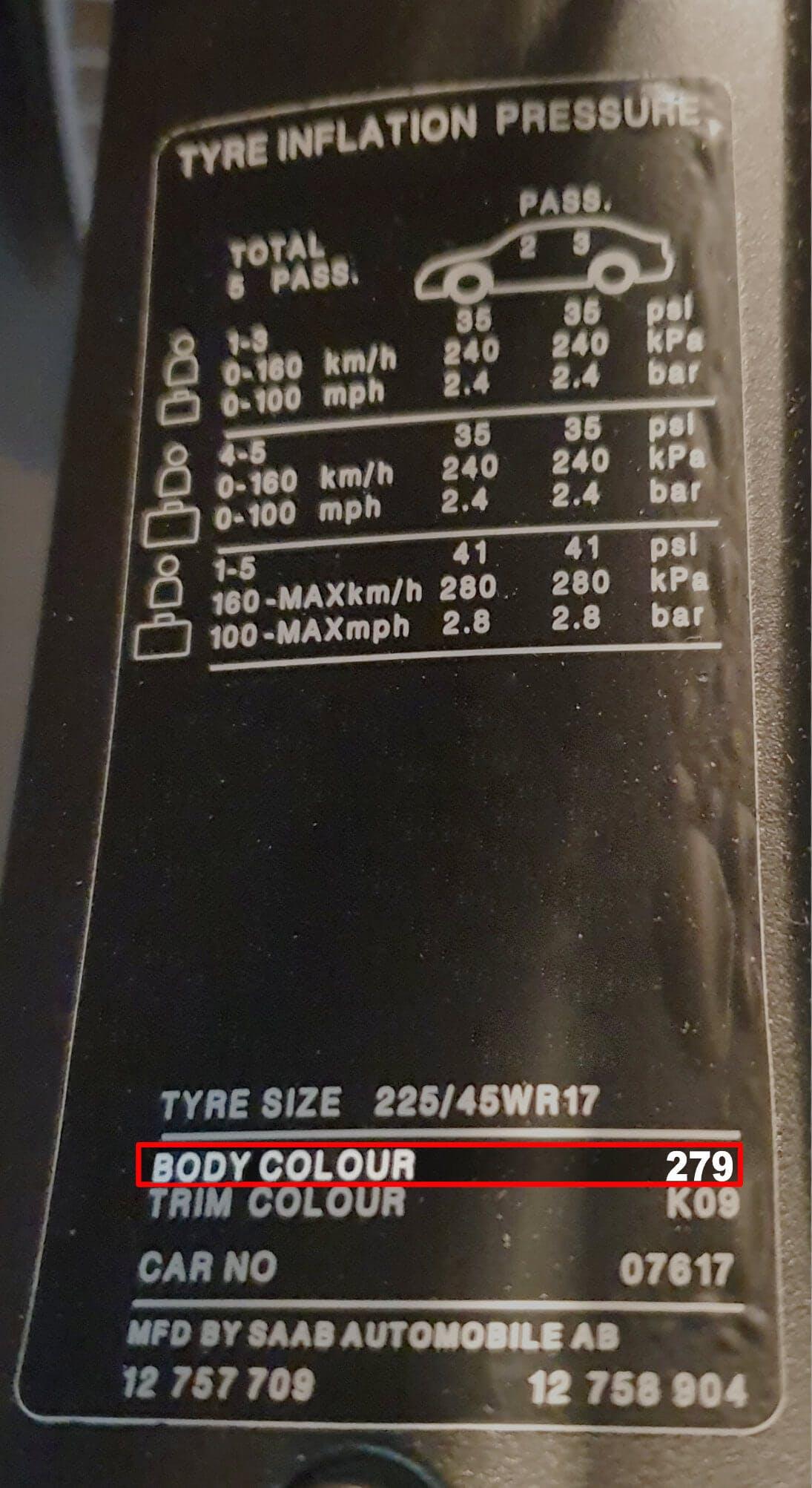 Färgkod 279 på en SAAB 9-3 från 2005