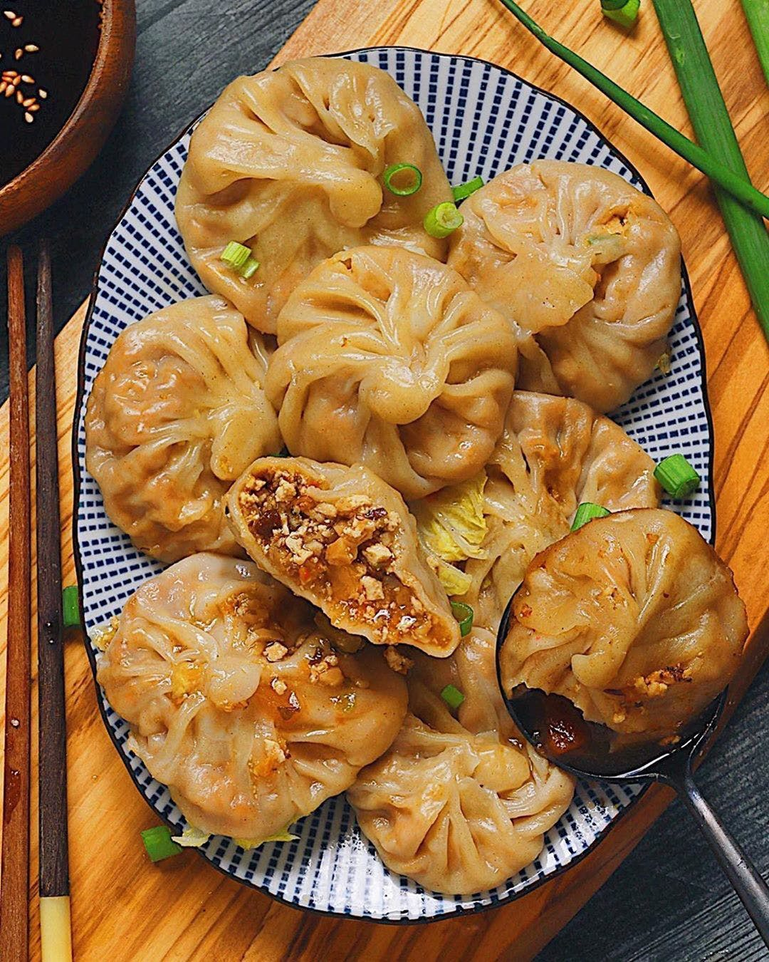 xiaolongbao on plate