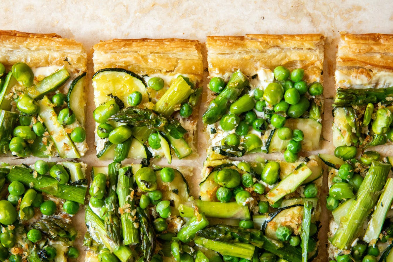 spring green tart cut up