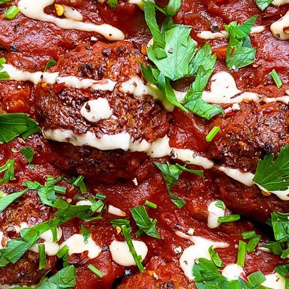 falafels-in-tomato-sauce