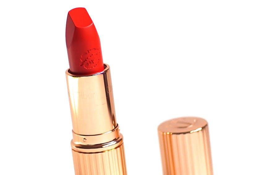 charlotte tilbury lipstick in tell laura