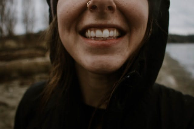 someone smiling with teeth