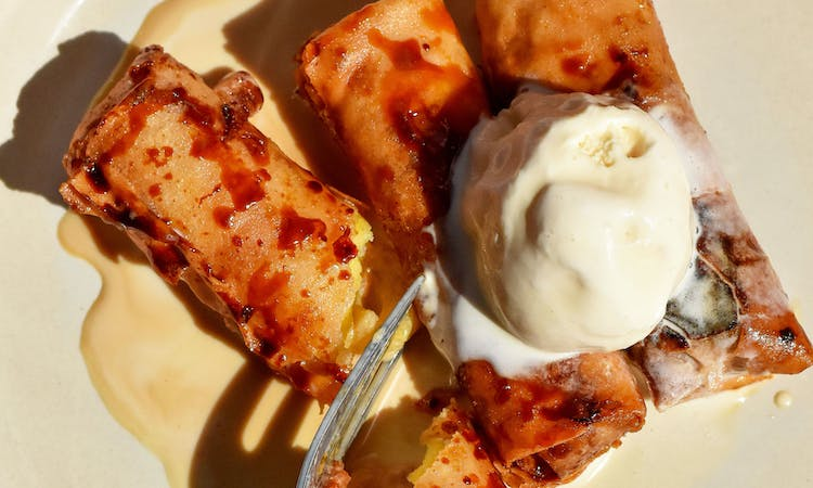 filipino-vegan-turon-with-ice-cream-caramelised-ripe-plantain-and-jackfruit-rolls