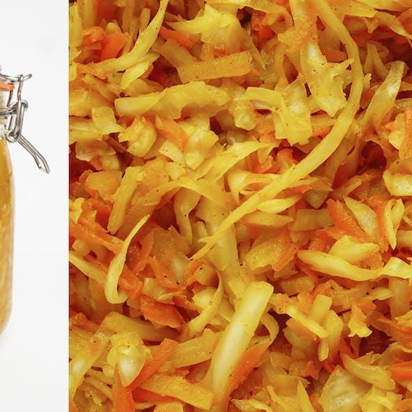 curried-sauerkraut-close-up-jar