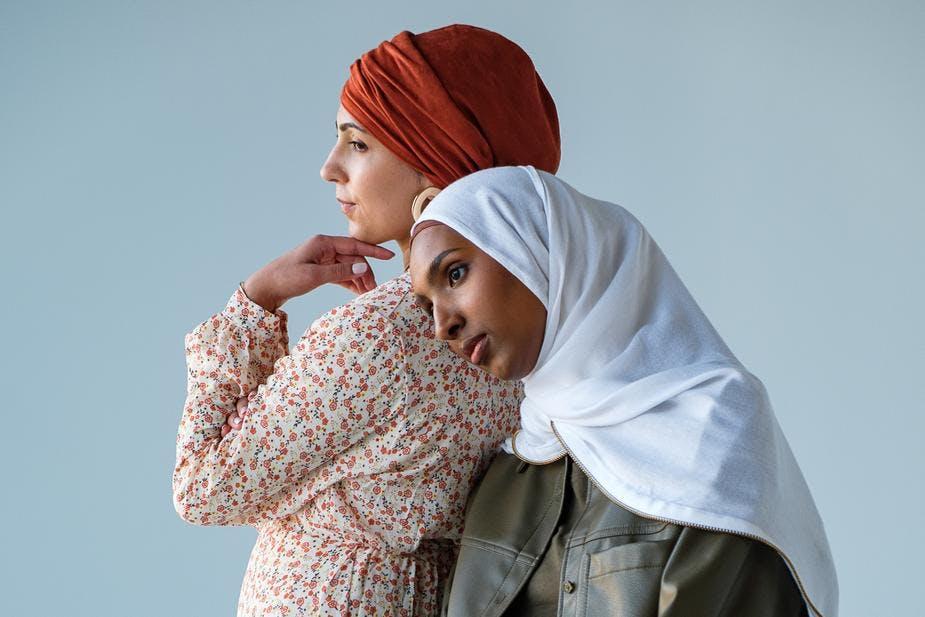 models wearing hijabs