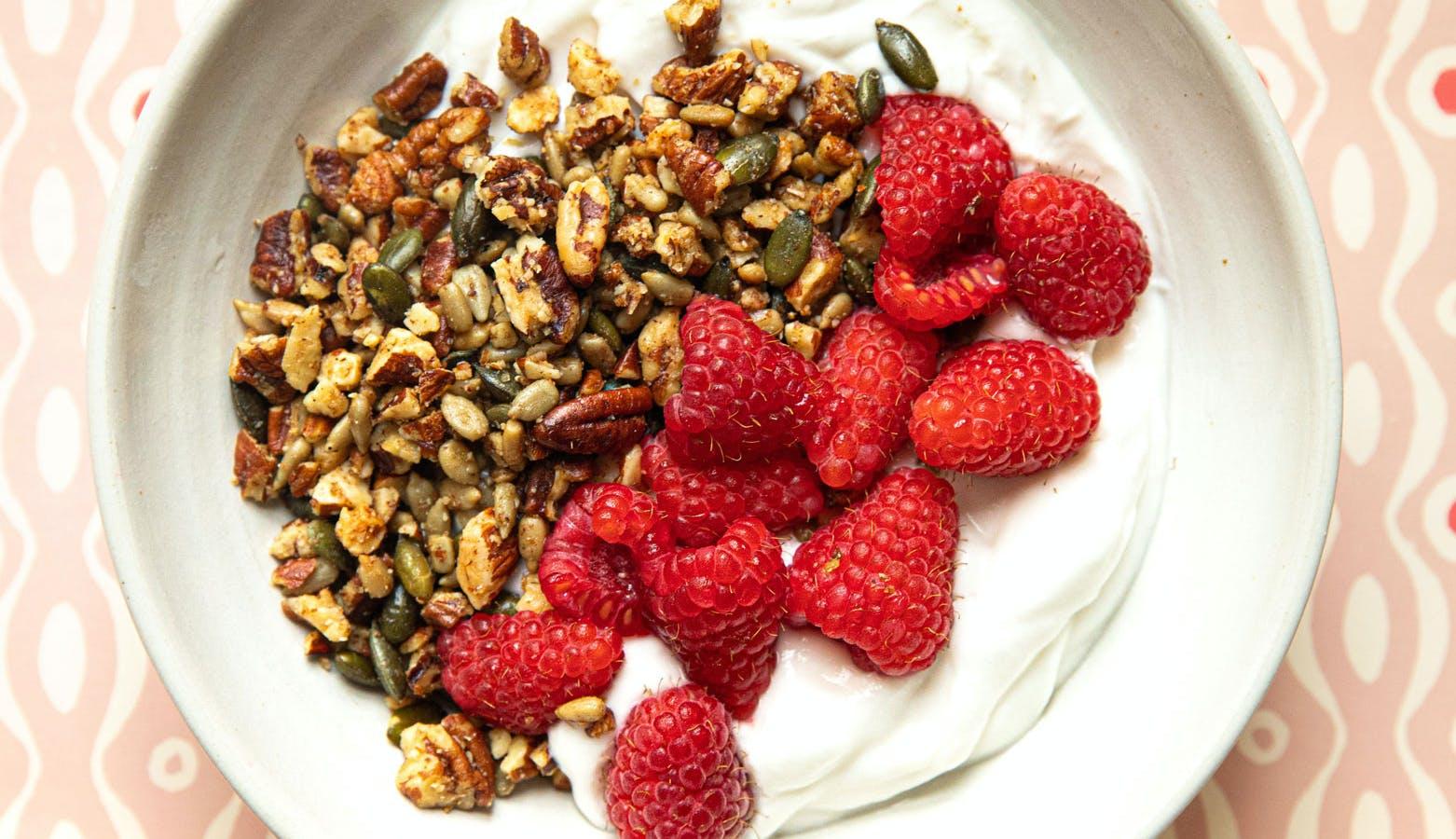 yoghurt and raspberries