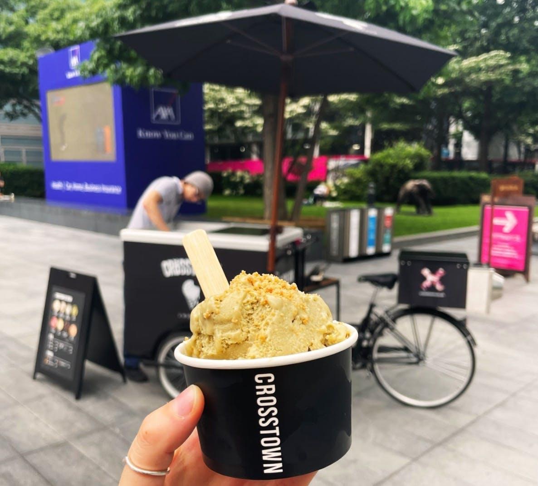 crosstown ice cream stand