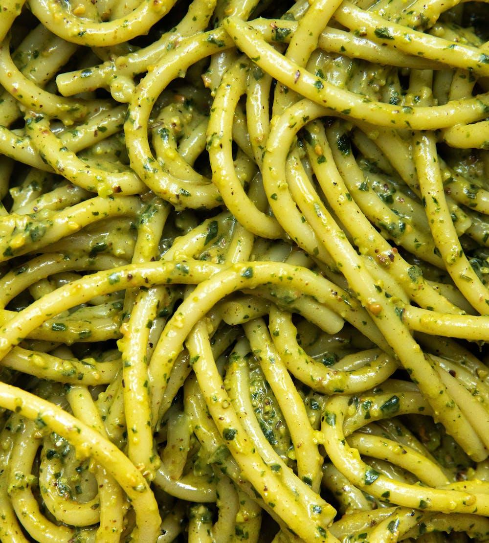 close up shot of pesto pasta
