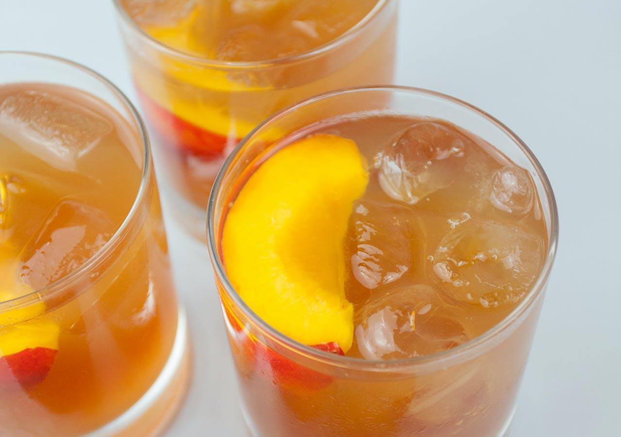 vodka peach iced tea