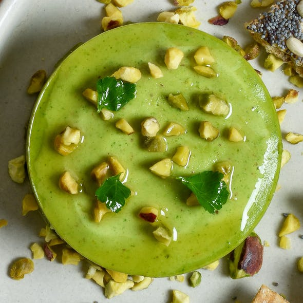 pistachio-pate-and-crackers