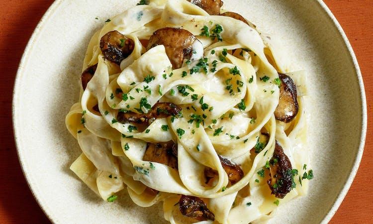 mushroom-and-truffle-pasta