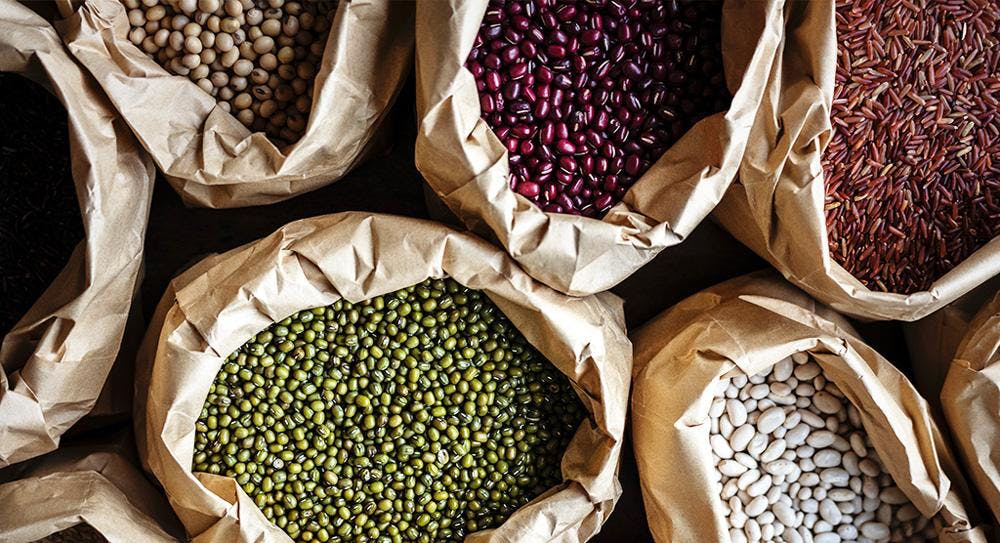 Raw beans and pulses