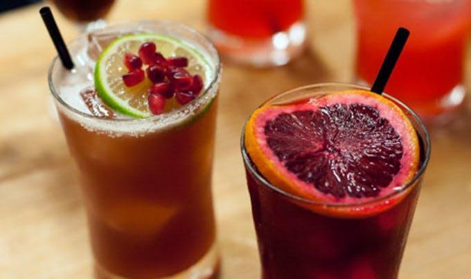 non-alcoholic hibiscus cocktail