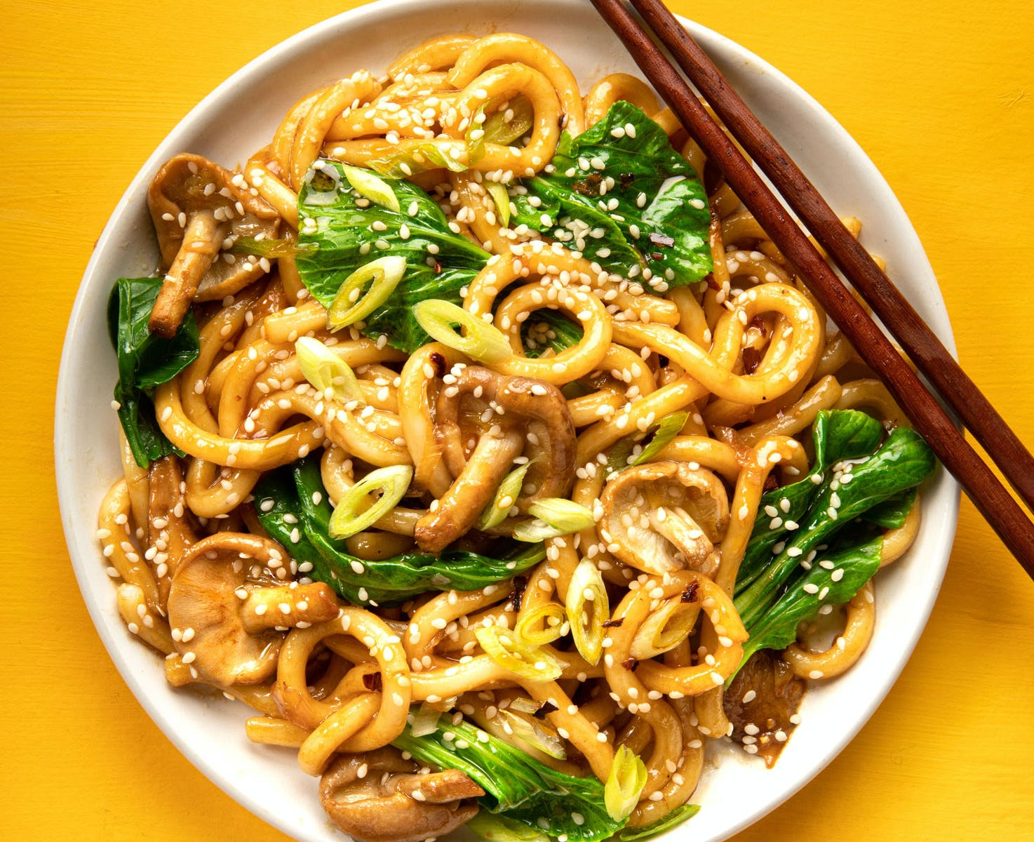 udon stir fry and chopsticks