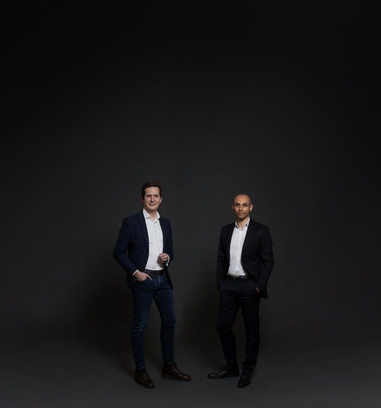 L'équipe dirigeante d'Alphacap composée de 2 professionnels des solutions d'investissement et des marchés financiers.
