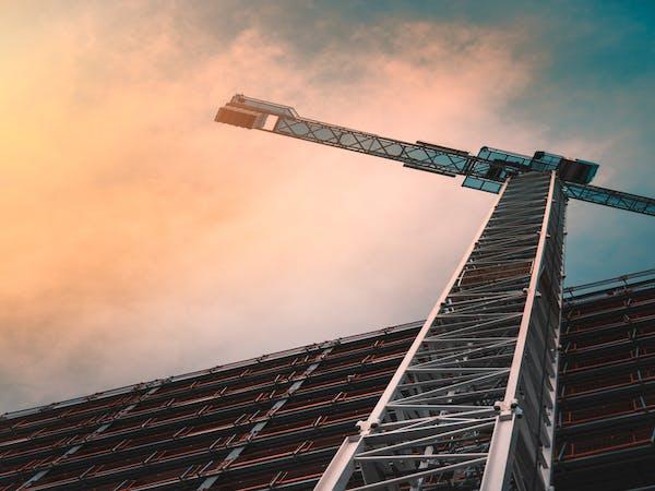 Actif immobilier en construction sur lequel des investisseurs ont déjà placer leur trésorerie afin d'investir dans le non-côté ou dans le private equity.