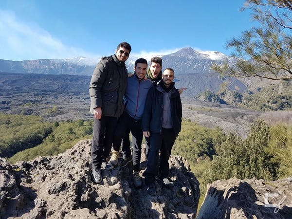 Attività di team building sull'Etna insieme a Marco, Wilk e Alessio.