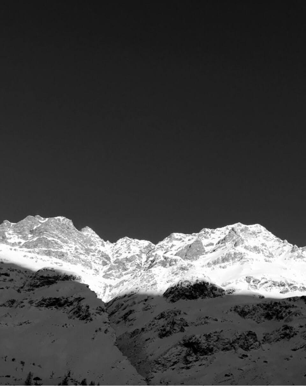 B&W Mountains