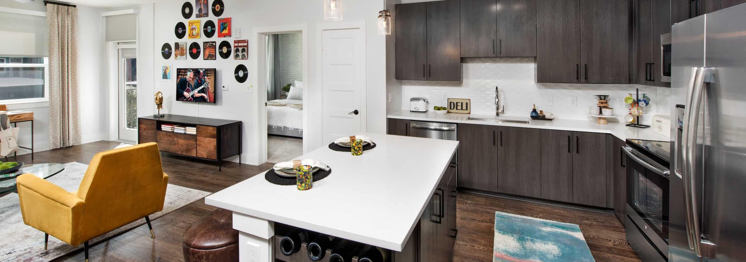Island kitchen with bala 3cm quartz countertops
