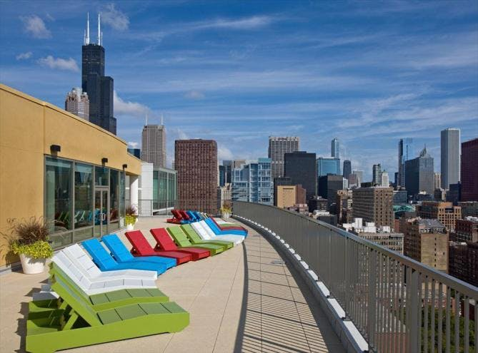 AMLI 900 luxury apartment Chicago