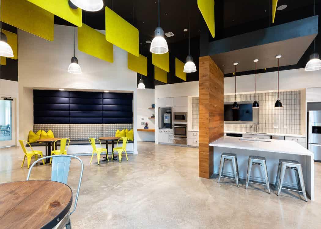 Luxury Apartments in Frisco | Amenities | AMLI Frisco Crossing