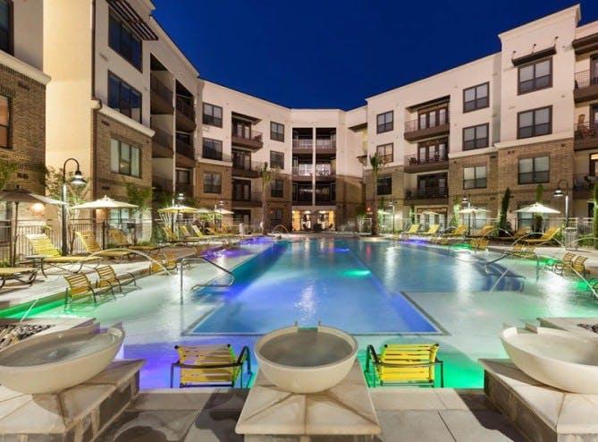 Upscale Frisco Apartment Pool
