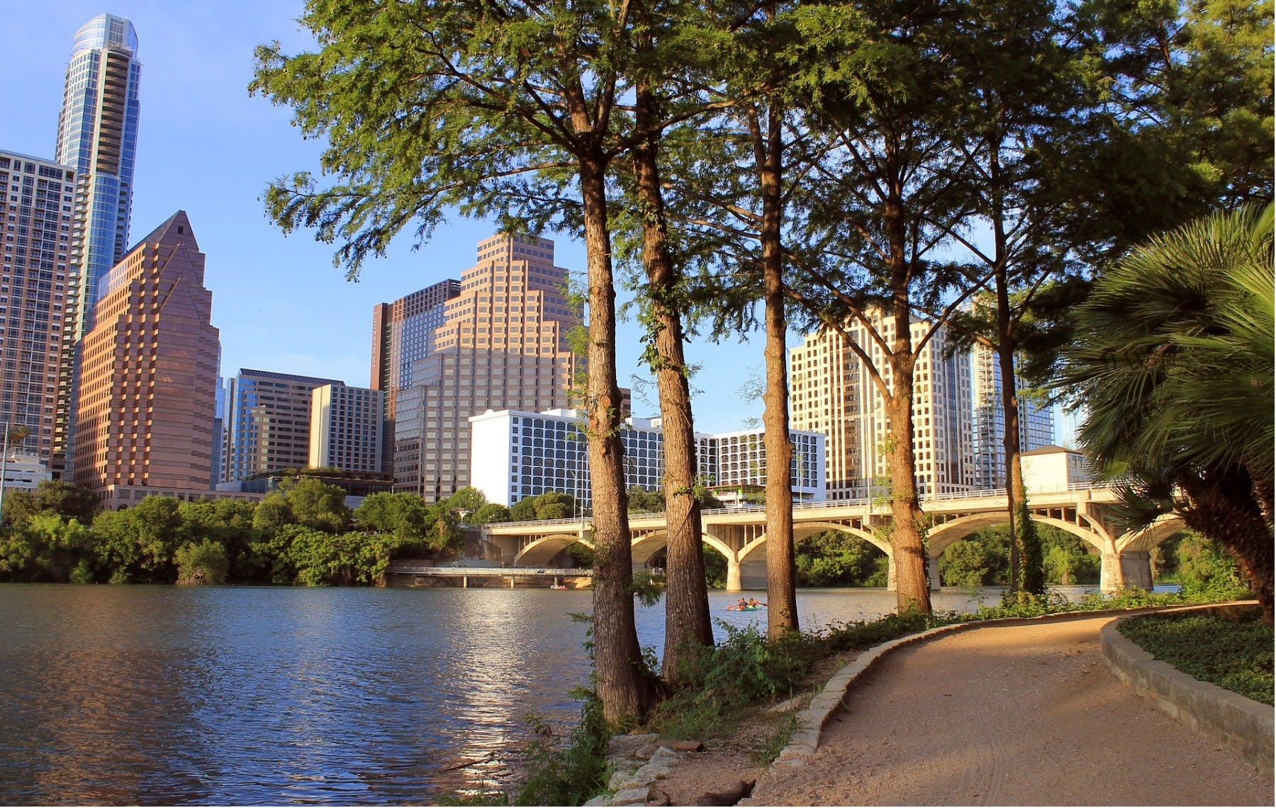 Shore of Lady Bird Lake in the city