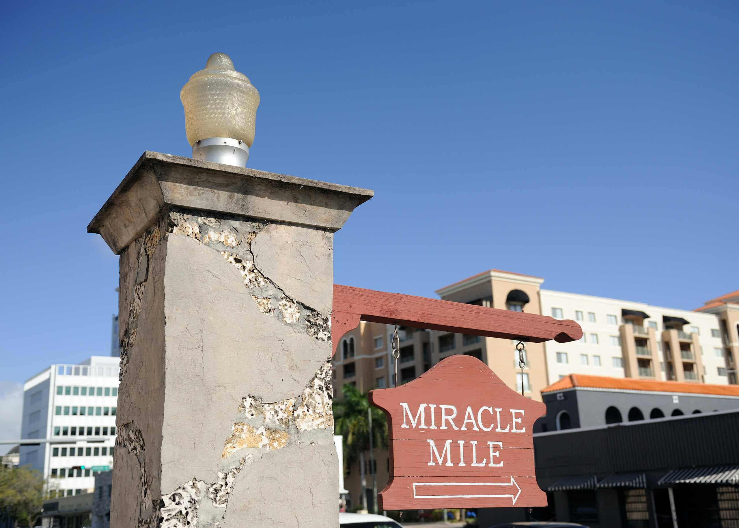Miracle Mile sign