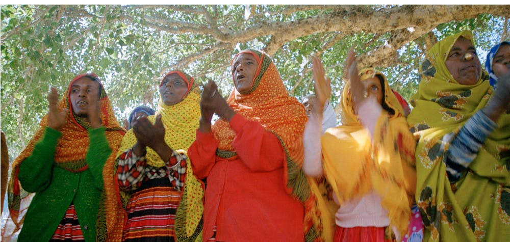 Femmes dans le camp de personnes déplacées internes Harena (aout 2005) Érythrée © UN Photo/Jorge Aramburu