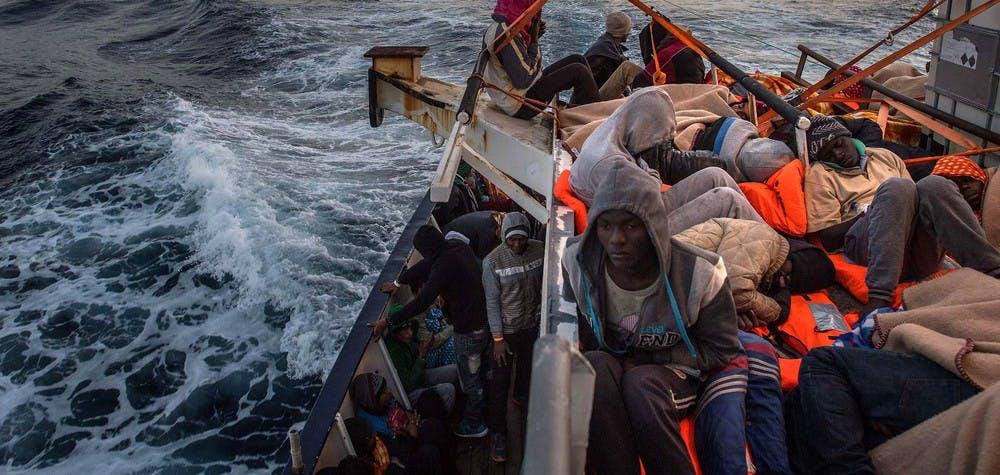 Sur le pont d'un bateau de secours de l'ONG espagnole Proactiva Open Arms