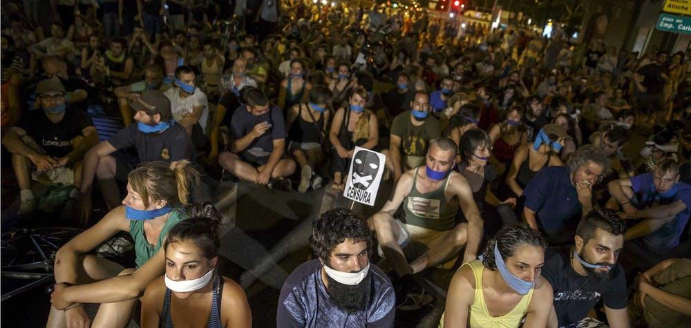 Manifestants contre les lois antiterroristes espagnoles. Madrid 1/7/2015