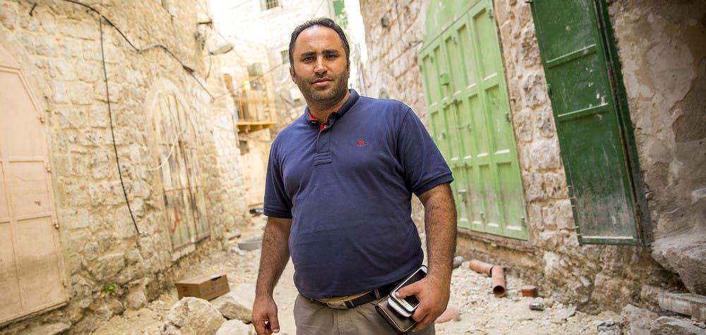 Issa Amro dans le centre de Hébron, 13/09/2017 © Richard Burton / Amnesty International