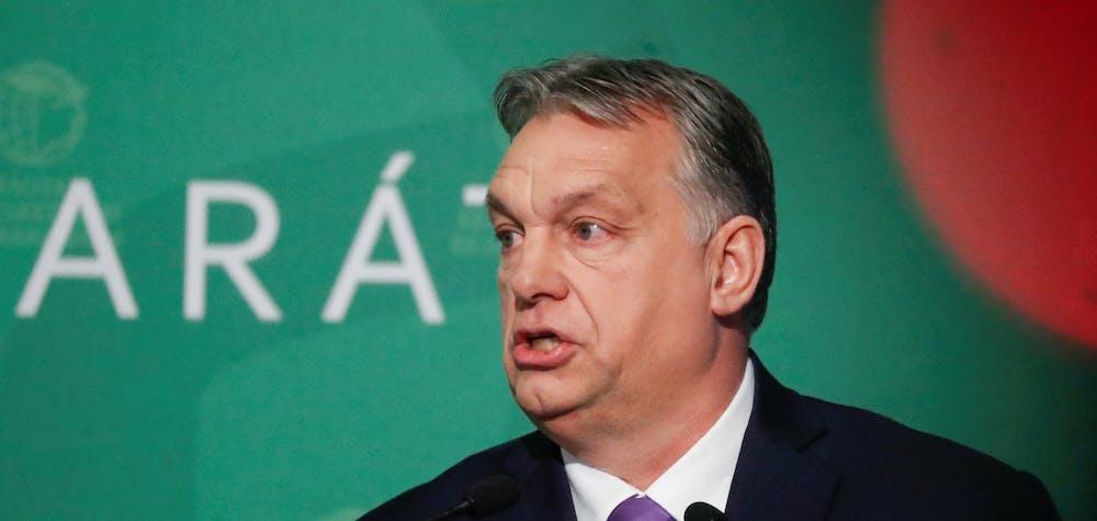 Le Premier ministre hongrois Viktor Orban prend la parole lors d'une conférence d'affaires à Budapest, Hongrie, 10 mars 2020