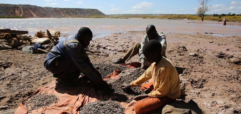 Extraction artisanale de Cobalt en RDC