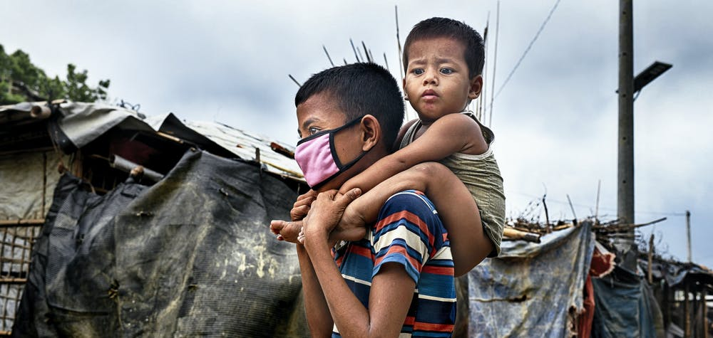 Deux jeunes Rohingyas au camp de réfugiés du Cox's Bazar, Bangladesh. ©Mohammad Rakibul Hasan