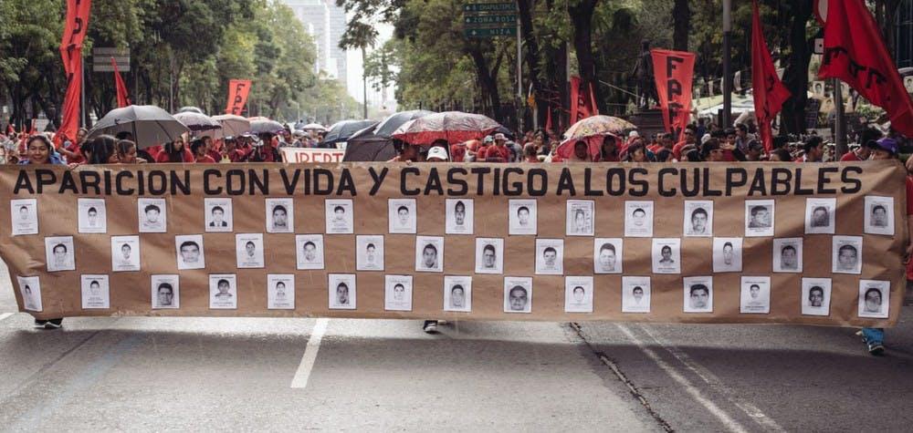 Manifestation pour l'anniversaire de la disparition des 43 étudiants d'Ayotzinapa - Mexique