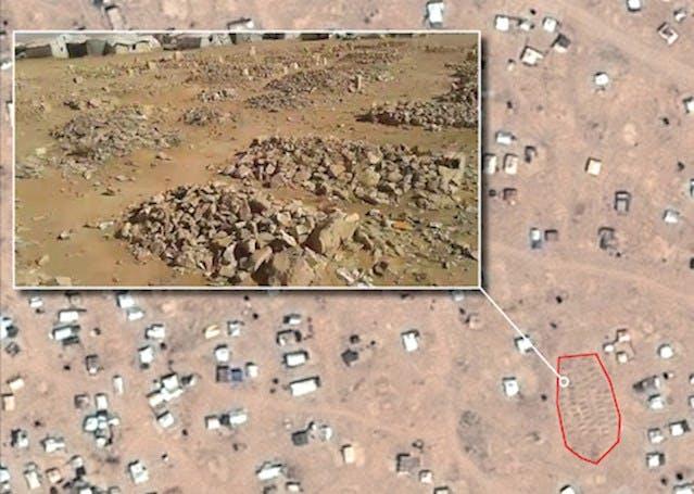 Image satellite montrant l'emplacement d'un cimetière dans le camp de réfugiés informel de Rukban, à la frontière jordano-syrienne, dans lequel des dizaines de milliers de réfugiés sont bloqués. © CNES 2016, Distribution AIRBUS DS.