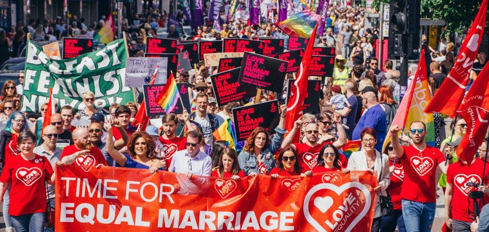 Manifestation pour le mariage entre personnes du même sexe, Irlande du NOrd